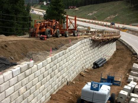 támfalépítés és talajszilárdítás