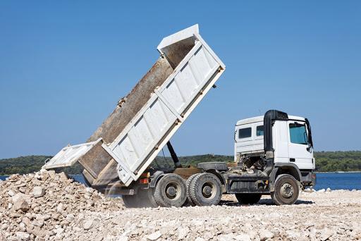 építőipari szállítmányozás billencses teherautó